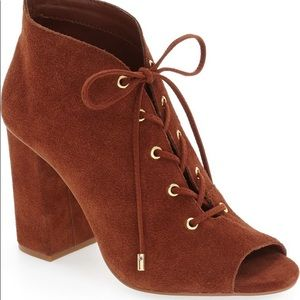 Very Volatile Wishful Peep Toe Lace Up Booties 9